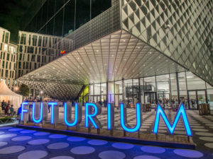 Futurium bei Nacht
